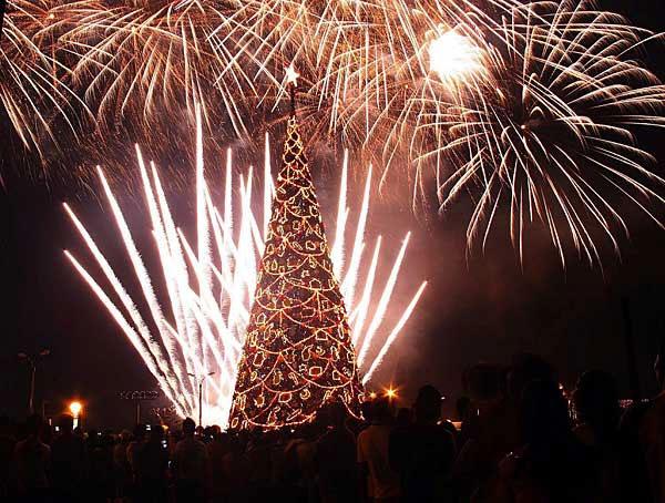 christmastree_fireworks
